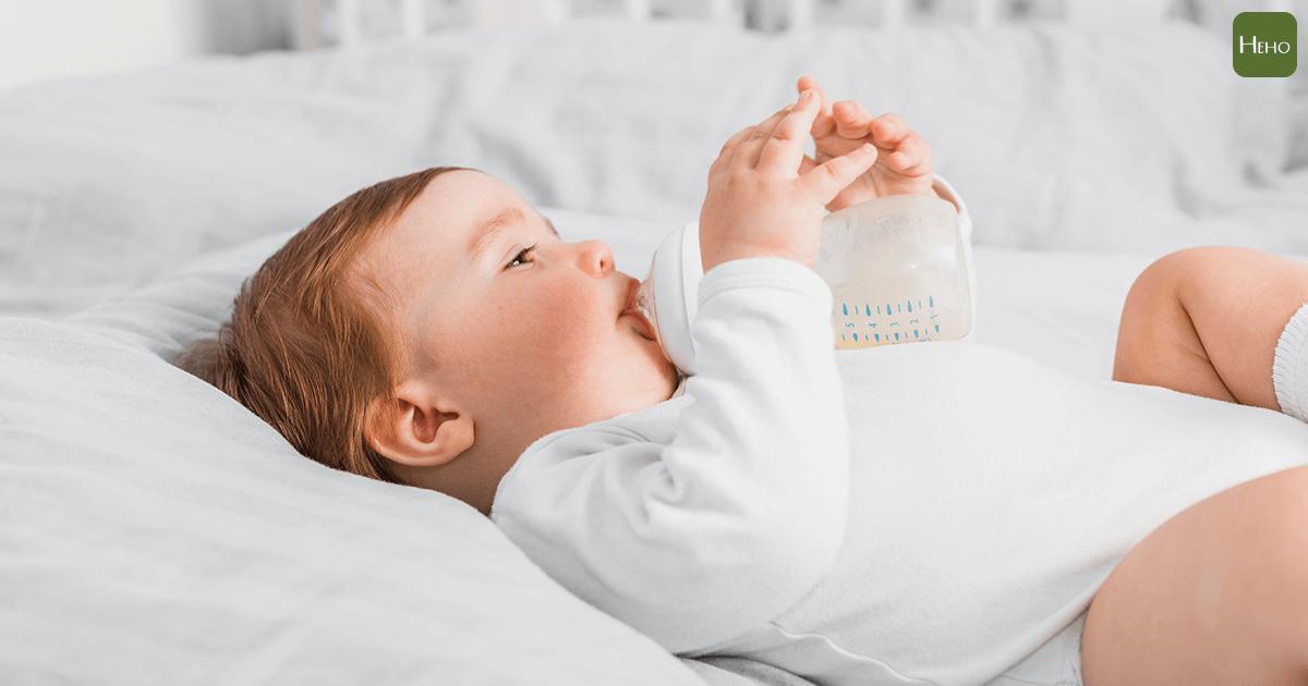 都是餵母乳 親餵還是瓶餵 寶寶腸道菌有差別!