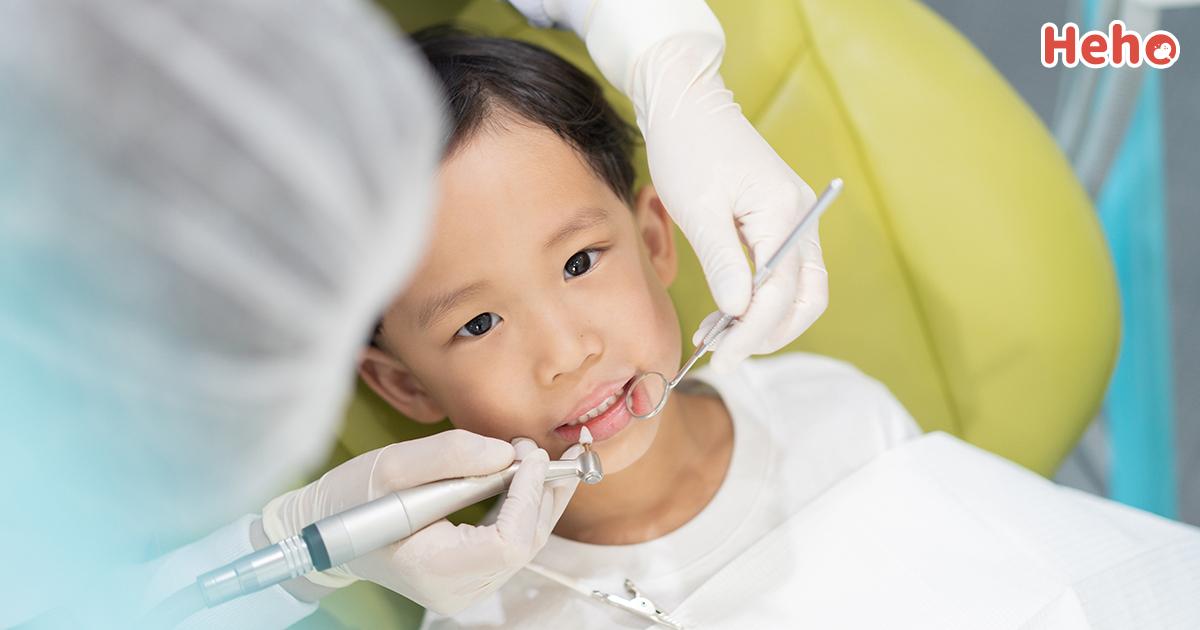 孩子看牙大哭大鬧?兒童牙醫讓孩子乖巧看牙的 5 秘訣
